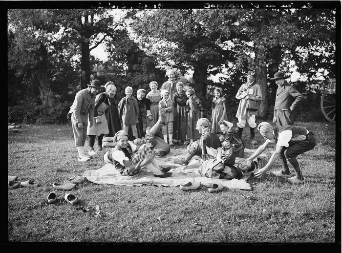 Crédits image : Tournassoud, jeu de l'escargot, collection départementale des musées de l'Ain, inv 87.13.1658