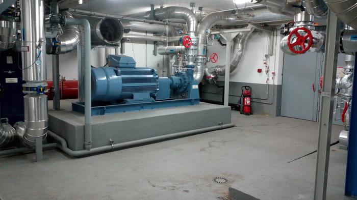 Crédits image : La pompe de réinjection, photo société Dalkia