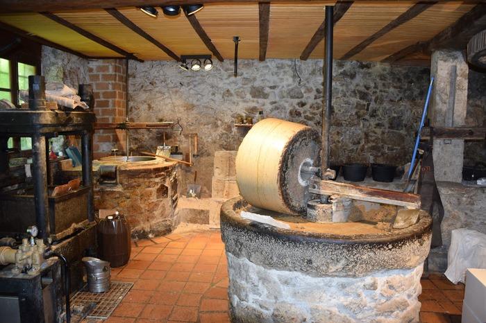 Journées du patrimoine 2018 - Les 150 ans du moulin à huile de Chanaz.