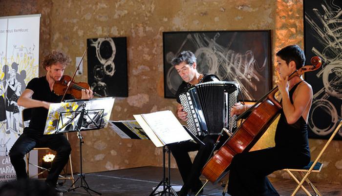 Trio EVEA