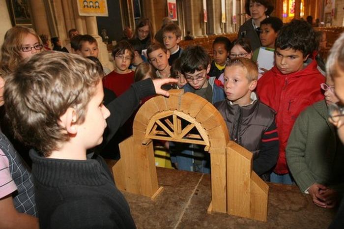Journées du patrimoine 2019 - Les Guides en Herbe font visiter la cathédrale