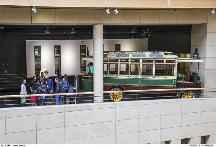 Journées du patrimoine 2018 - Les séances photo vintage à bord d'un bus de collection