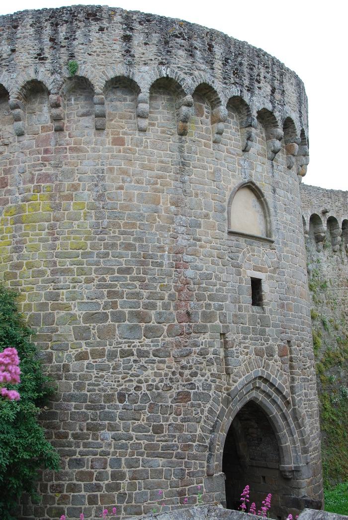 Journées du patrimoine 2017 - Les tours et portes de l'enceinte dinannaise - La porte du Jerzual