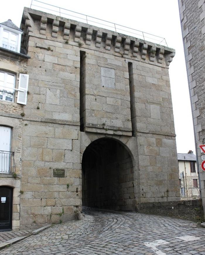 Journées du patrimoine 2017 - Les tours et portes de l'enceinte dinannaise - La porte Saint-Louis