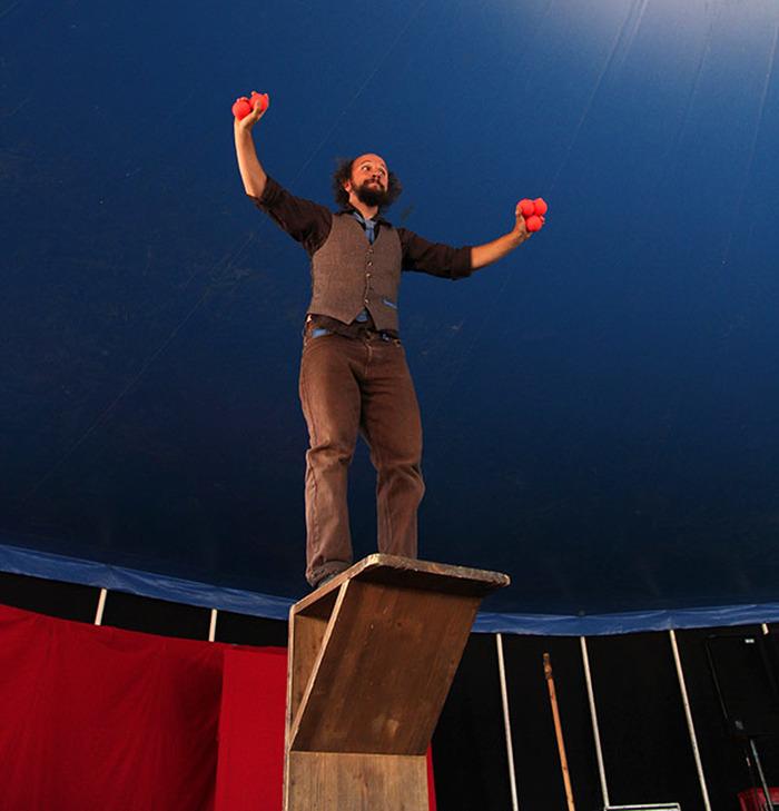 Reporte Mattia Thega Furlan Axe Cirque Clown Jonglage
