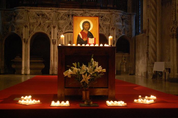 Journées du patrimoine 2018 - Office avec la Communauté du Chemin Neuf vivant à l'abbaye.