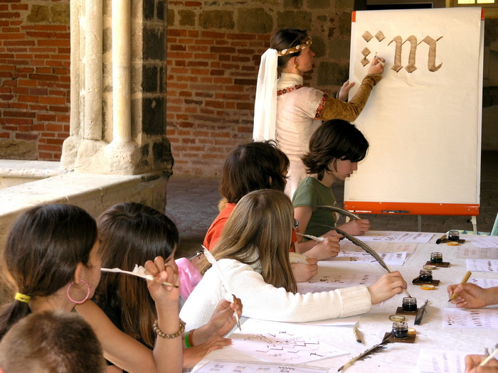 Journées du patrimoine 2018 - Partageons le patrimoine médiéval ! Jeux anciens, calligraphie gothique, enluminure