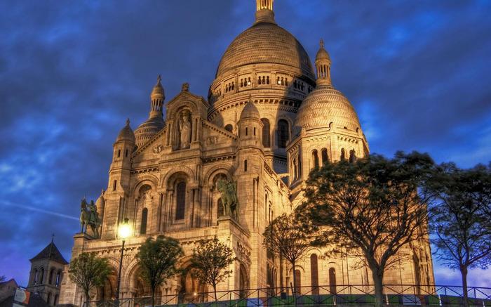 Nuit d'adoration au Sacré-Cœur de Montmartre