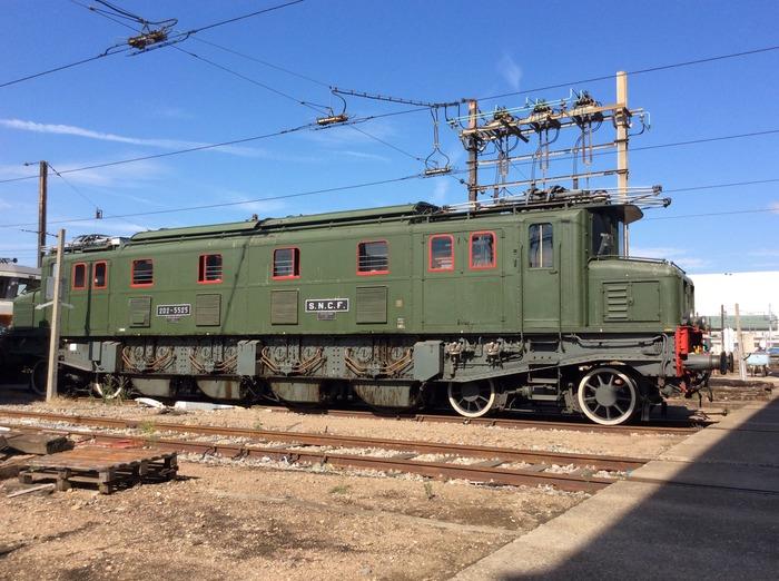 Journées du patrimoine 2018 - Présentation de la locomotive historique 2D2 5525 sur le site du dépôt SNCF d'Ivry sur Seine.