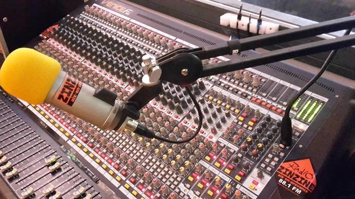Radio Zinzine Aix 88.1 FM et radiozinzineaix.org !
