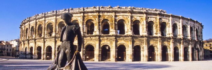 Réunion publique à Nîmes