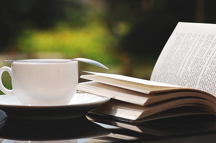Un café, des livres et vous