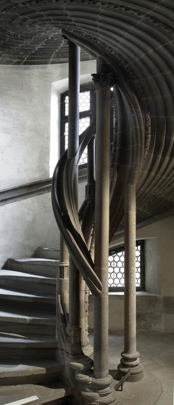 Crédits image : Escalier au Musée de l'Oeuvre Notre Dame, photo: Mathieu Bertola
