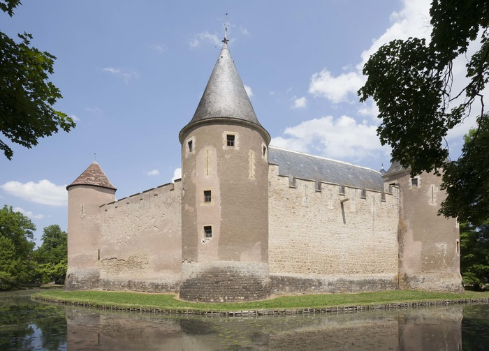 Crédits image : Le château d'Ainay-le-Vieil, DADP18, F.Lauginie