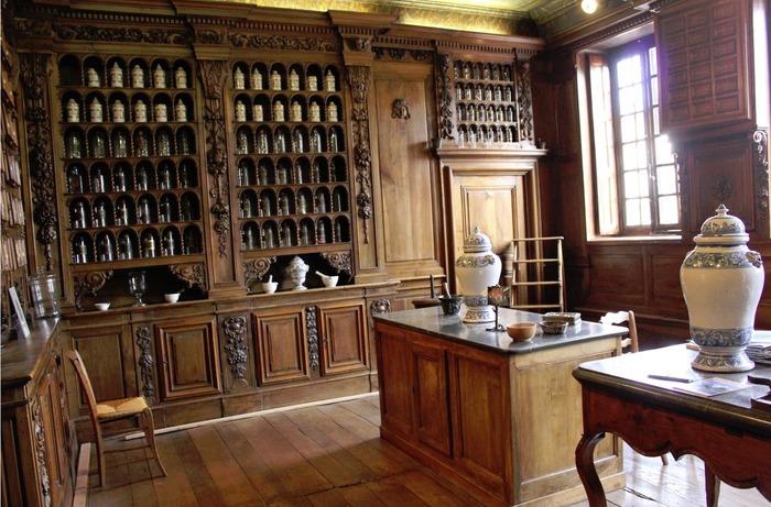 Journées du patrimoine 2018 - Visite commentée de l'apothicairerie de Montluel.