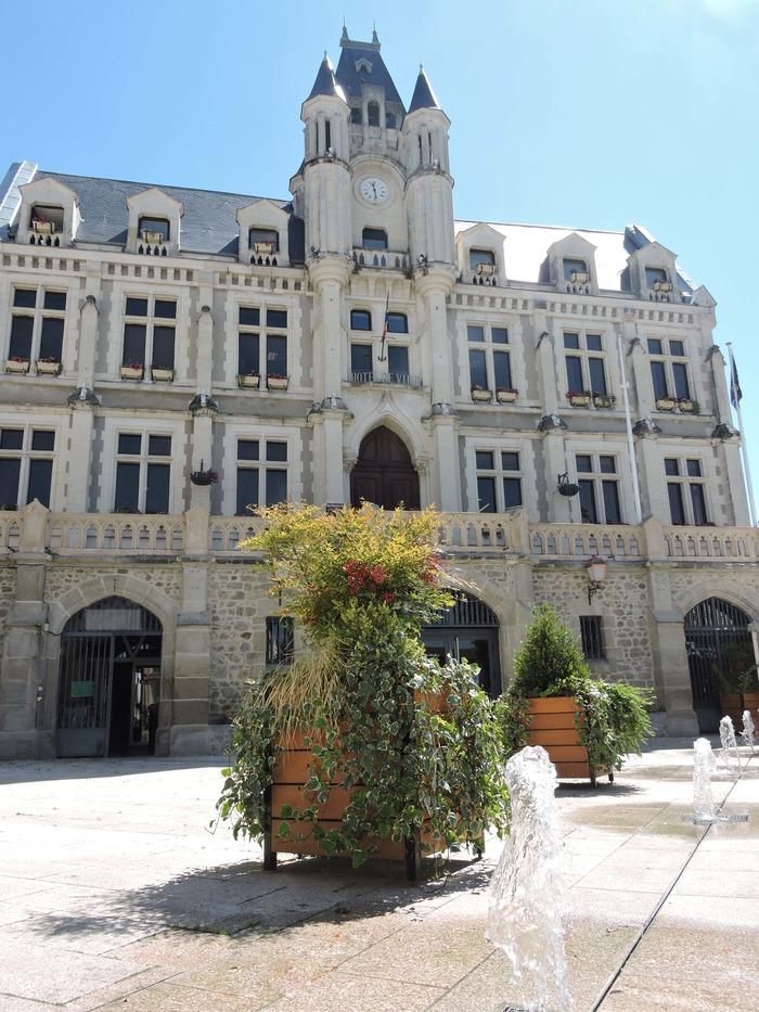 Journées du patrimoine 2018 - Visite commentée de la mairie de Saint-Galmier.