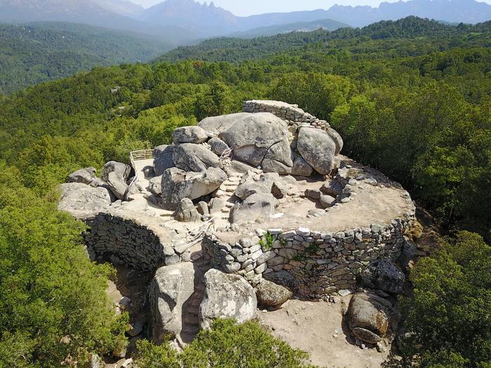 Journées du patrimoine 2018 - visite commentée des sites archéologiques de Cucuruzu, Capula, San Larenzu protégés au titre des monuments historiques