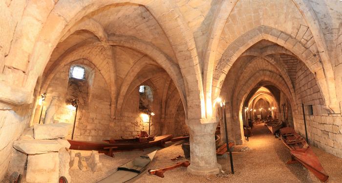 Journées du patrimoine 2018 - Visite du grand cellier avec la collection de bateaux