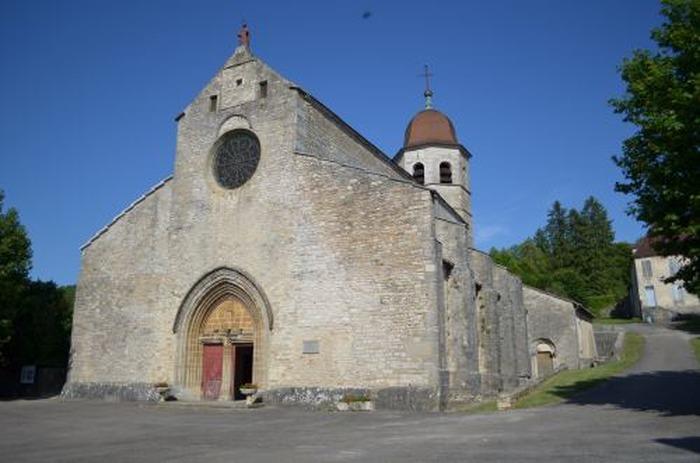 Journées du patrimoine 2018 - Visite commentée : Premiers résultats du sondage à l'emplacement de l'avant-nef de l'église abbatiale de Gigny (Jura)