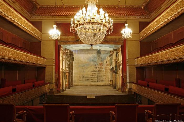 Crédits image : Théâtre Louis-Philippe, Musées nationaux du palais de Compiègne © Marc Poirier
