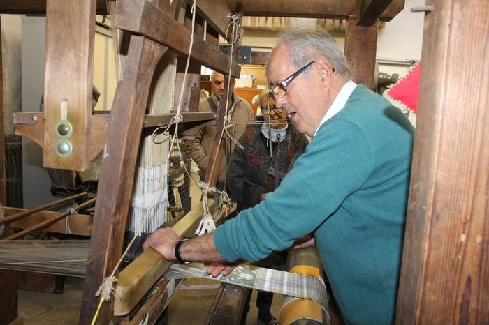 Journées du patrimoine 2018 - Démonstrations de tissage et de lisage.