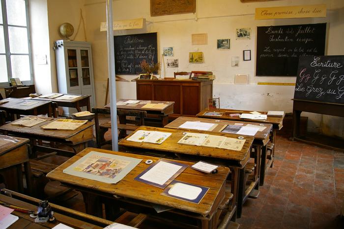 Journées du patrimoine 2018 - Visite d'un classe primaire rurale du 19ème et 20ème siècle