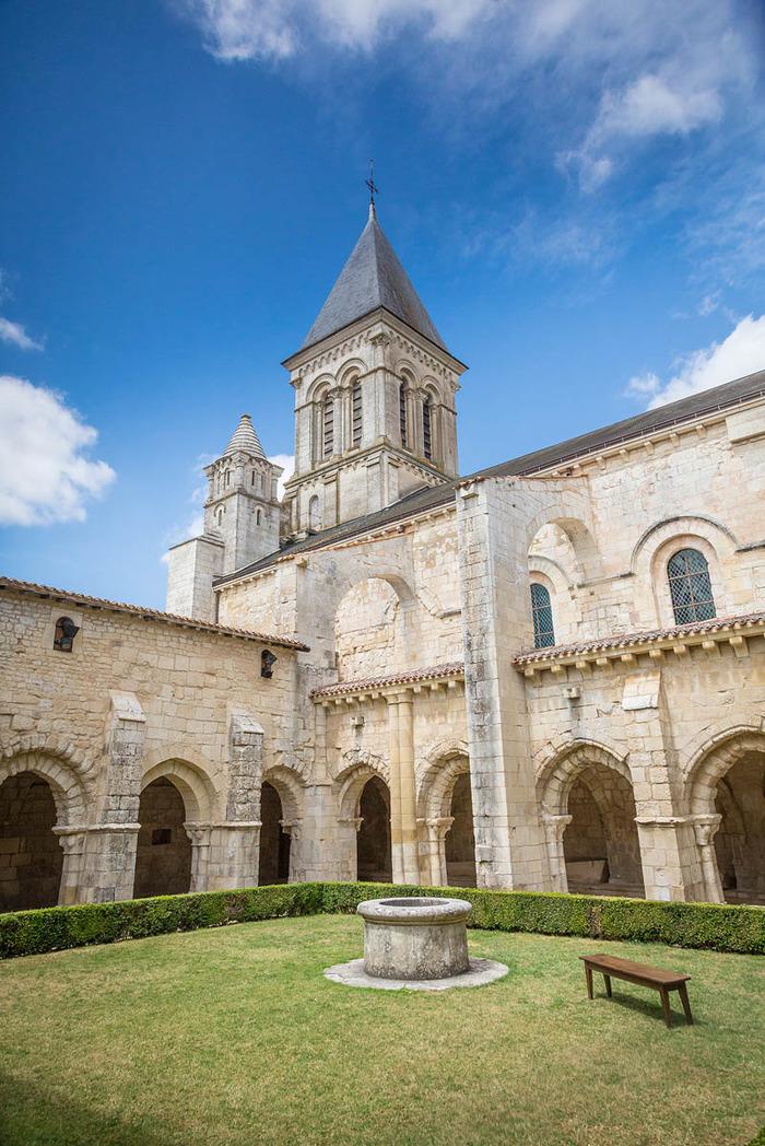 Journées du patrimoine 2018 - Visite de l'abbaye et animation musicale déambulatoire - Abbaye de Nieul sur l'Autise