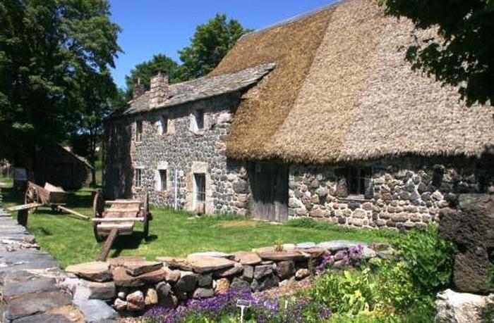 Journées du patrimoine 2018 - Visite libre de la ferme et du jardin botanique de Clastre.