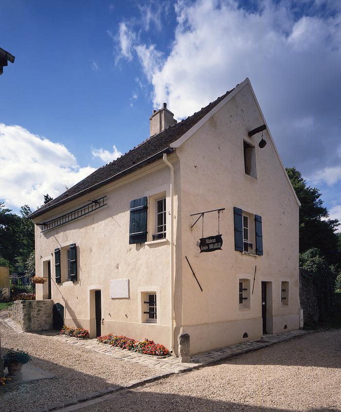 Visite comment e de la maison de louis braille for Visite maison de star