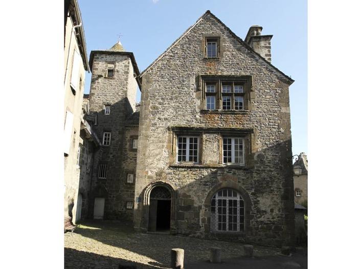 Journées du patrimoine 2018 - Visite du musée d'histoire de Salers.