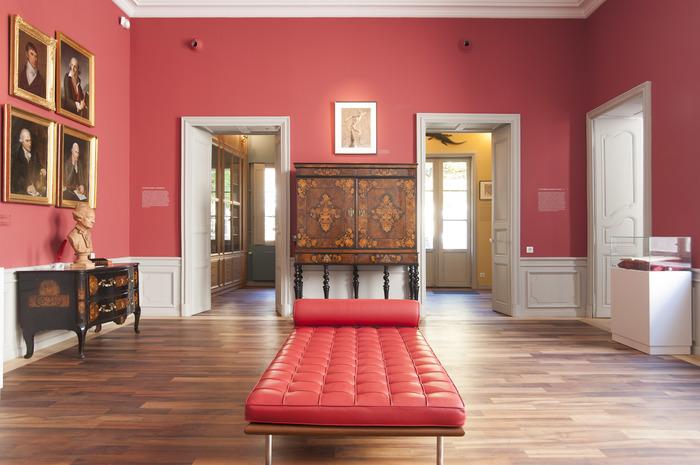 Crédits image : Intérieur de l'appartement Gagnon. Le grand salon à l'italienne, ouvrant sur les cabinets d'étude et d'histoire naturelle ©Bibliothèques municipales de Grenoble