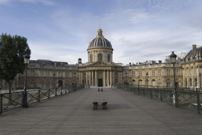 Journées du patrimoine 2018 - Visite du Palais de l'Institut (Coupole, cours, Bibliothèques, Grande salle des séances) et séance de dédicaces d'académiciens