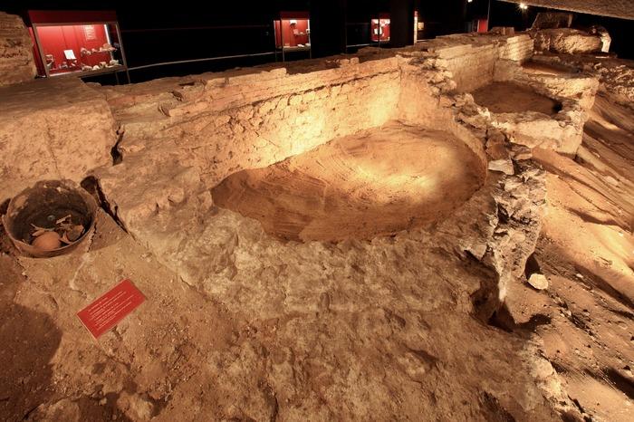 Journées du patrimoine 2018 - Visite du parcours d'exposition permanent gallo-romain de la crypte archéologique