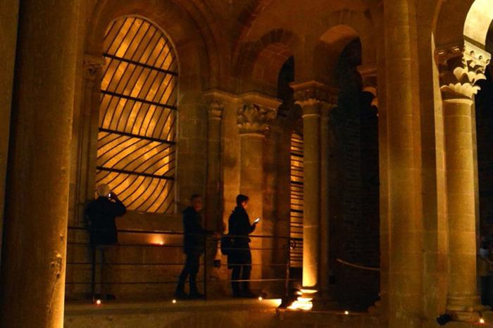 Journées du patrimoine 2018 - Visite libre en nocturne et en musique des tribunes de l'abbatiale