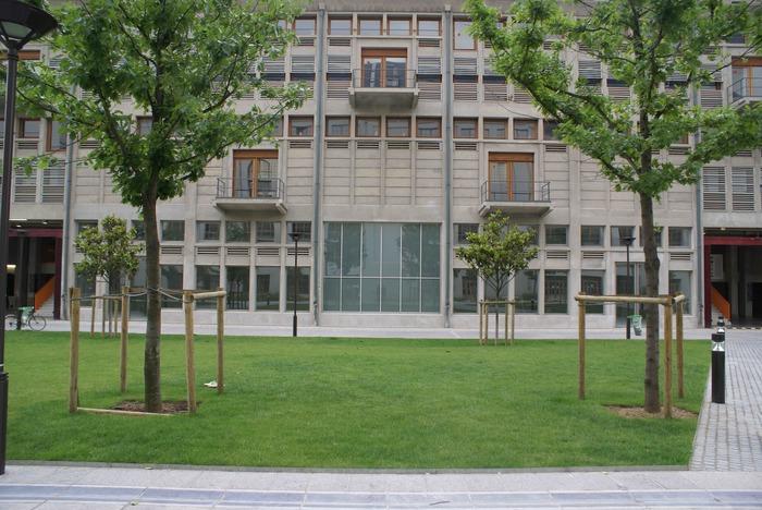 Journées du patrimoine 2018 - Visite et atelier à Bétonsalon - Centre d'art et de recherche. La fabrique du partage, de la Halle aux Farines à l'exposition TEMPLE OF LOVE