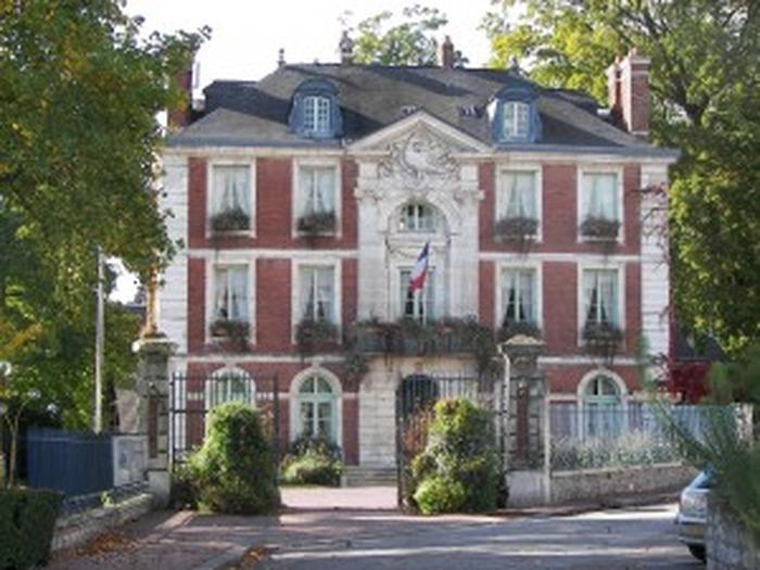 Journées du patrimoine 2018 - Visite guidée du bureau du Maire dans l'Hôtel de Ville de Rives-en-Seine
