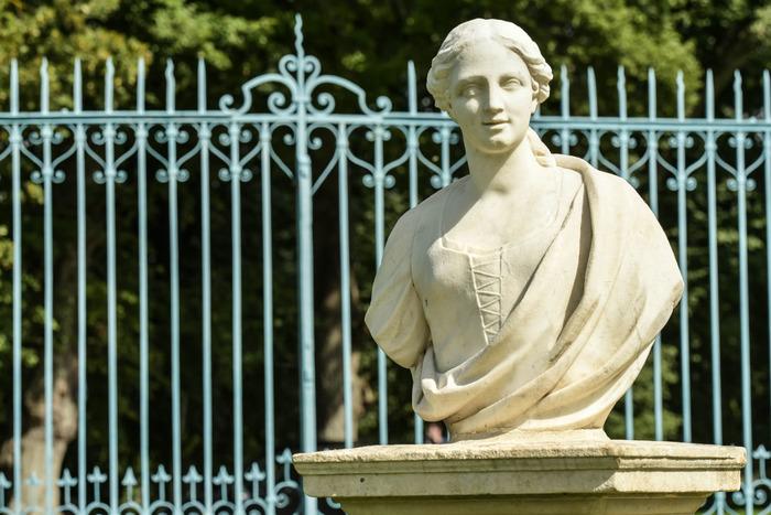 Journées du patrimoine 2018 - Visite guidée dans les jardins : la restauration des statues de Canon
