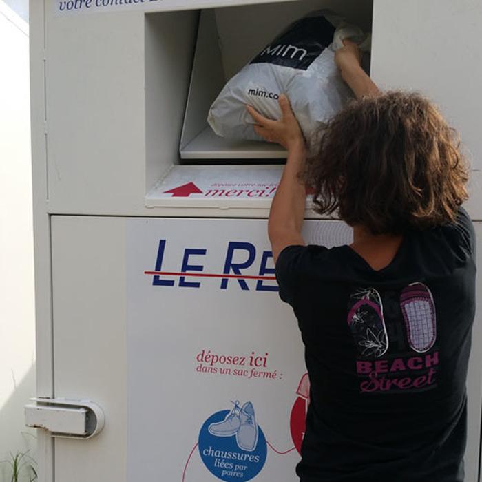 Visite guidée de l'atelier de tri des vêtements du Relais Gironde