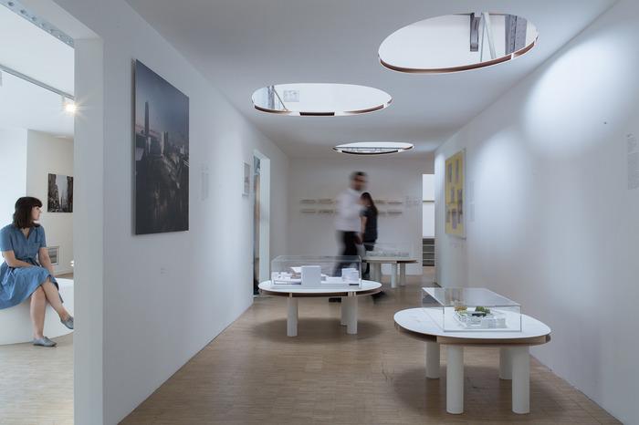 Crédits image : Exposition « Architectures Japonaises à Paris, 1867-2017 » au Pavillon de l'Arsenal, 2017 © Antoine Espinasseau