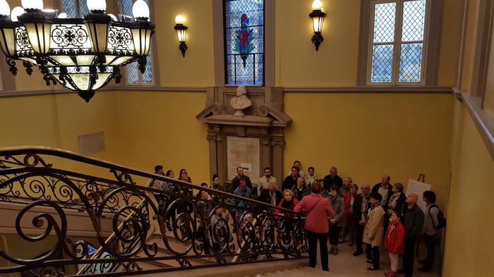 Crédits image : Groupe en visite à l'Hôtel de Ville - Photographie : Animation du patrimoine, Ville de Troyes