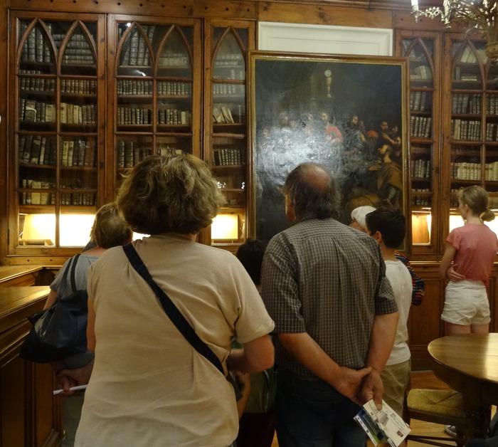 Journées du patrimoine 2018 - Visite commenée de la bibliothèque et de la chapelle basse de la Collégiale.