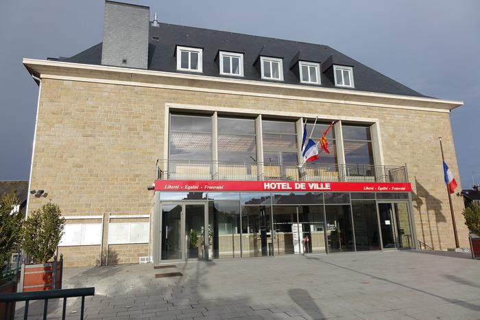 Journées du patrimoine 2018 - Visite guidée de la mairie de St-Hilaire-du-Harcouet