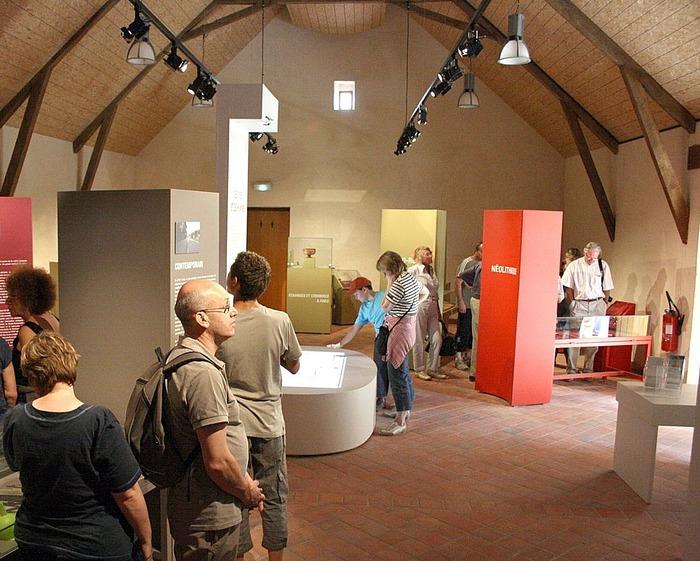 Journées du patrimoine 2018 - Visite commentée de la maison archéologique des Combrailles et de son exposition permanente « Des voies et des hommes ».