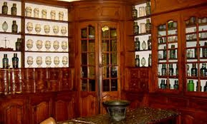 Journées du patrimoine 2018 - Visite guidée de l'ancienne pharmacie du XVIIIe siècle