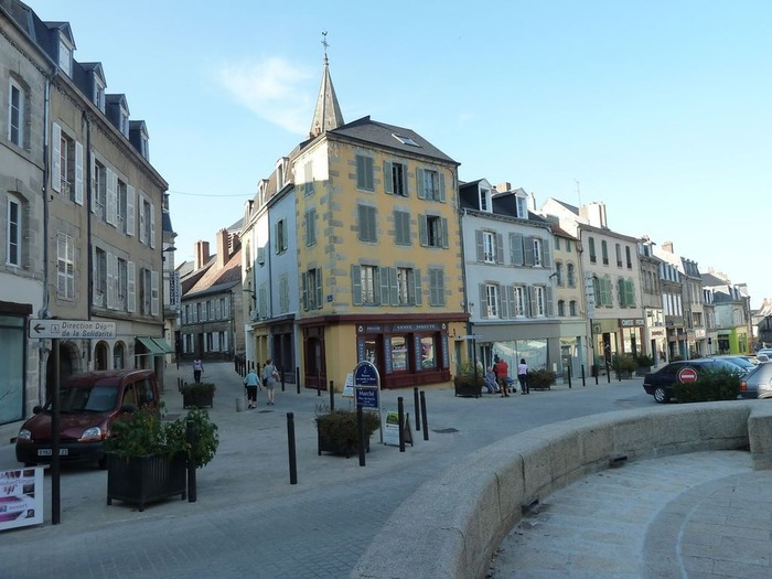 Journées du patrimoine 2018 - Déambulation au coeur de la vieille ville de Guéret pour comprendre son histoire et son évolution au fil du temps.