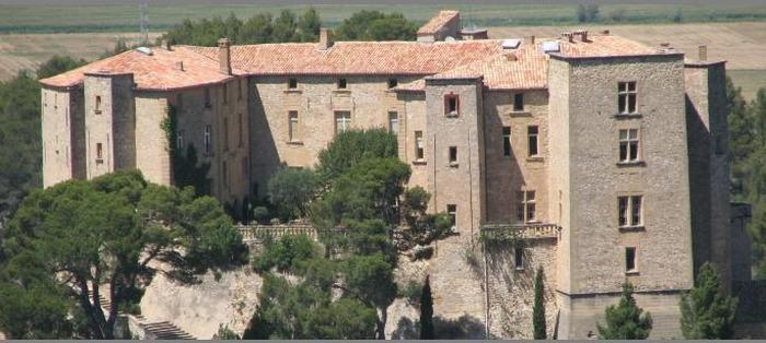 Journées du patrimoine 2018 - Visite guidée des parties communes du château (Entrée principale/Grand escalier/Terrasse/Chapelle)