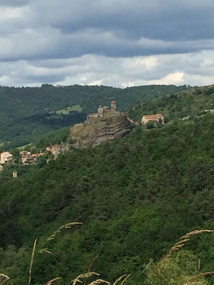 Journées du patrimoine 2018 - Visite commentée des vestiges du château de Saint-Ilpize.