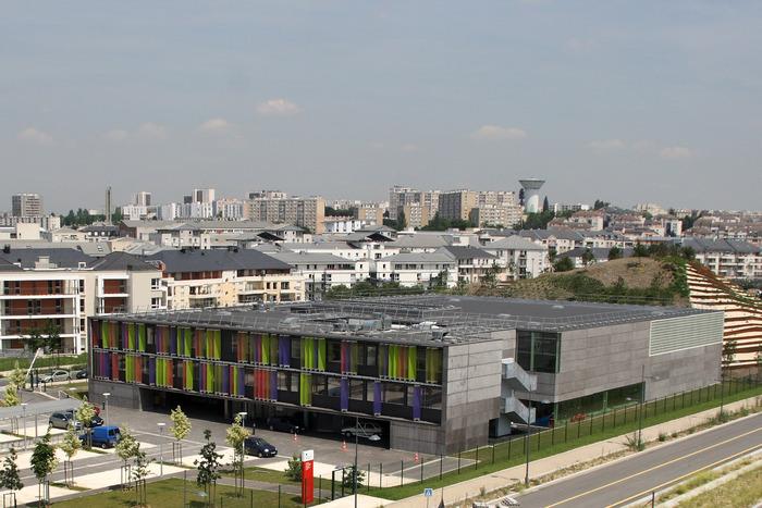 Journées du patrimoine 2018 - Visite guidée du bâtiment des STAPS (Sciences et Techniques des Activités Physiques et Sportives) à Créteil