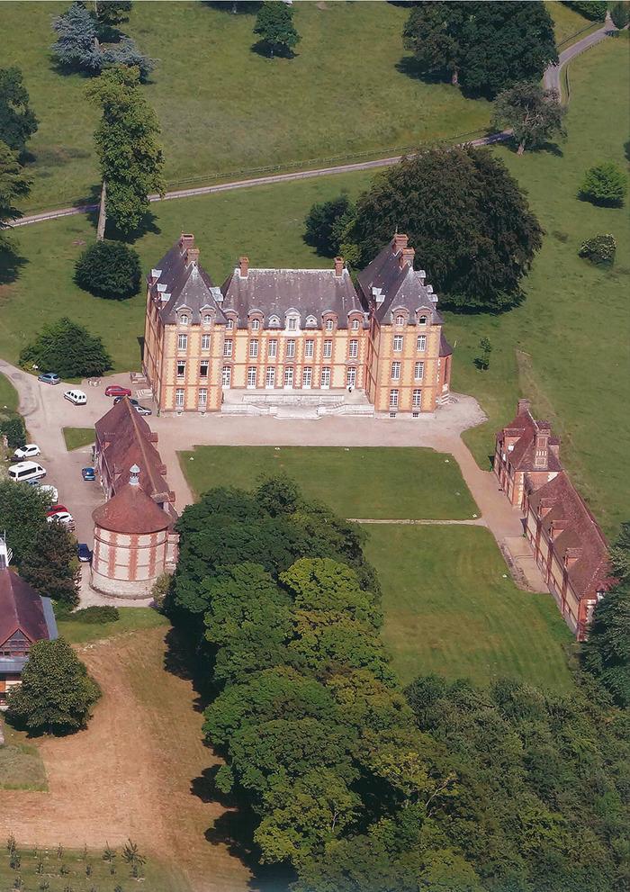 Journées du patrimoine 2018 - Visite guidée du château et des dépendances et vente des produits de l'exploitation