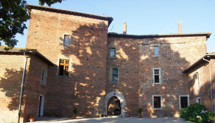 Journées du patrimoine 2018 - Visite guidée et commentée du château de Glareins.
